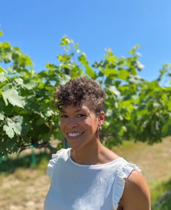 Portrait Photograph of Leslie Holland